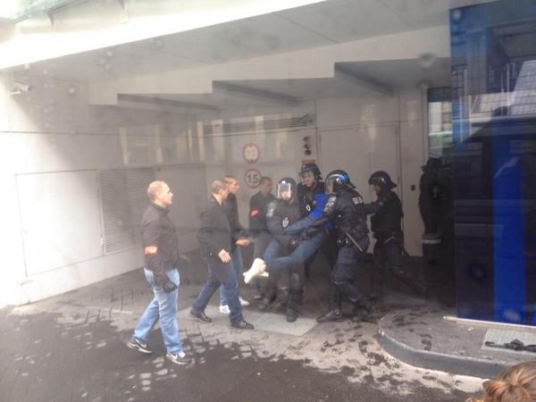 Génération Identitaire occupe le siège de l'UMP pour demander l'abrogation du mariage gay 5