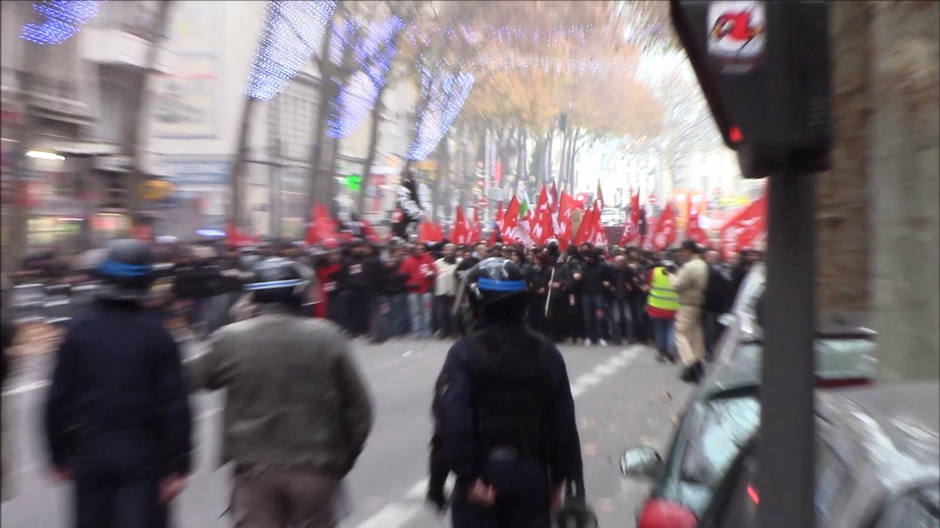 """Lyon : Manifestation d'extrême-gauche """"contre le FN"""" et débordements"""