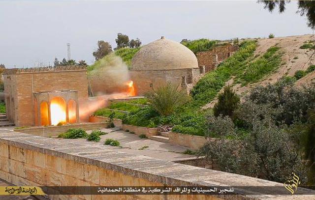 Etat Islamique fait sauter le monastere catholique de St Behnam et Ste Sarah pres de Mossoul (IVe siecle)