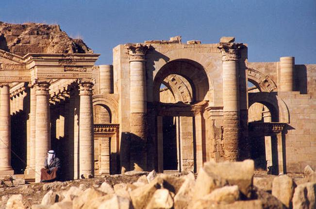 L'Etat islamique détruit l'antique cité parthe de Hatra en Irak