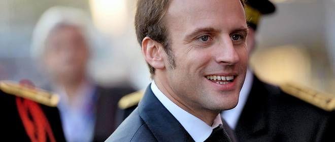 Emmanuel macron royaliste manque un roi